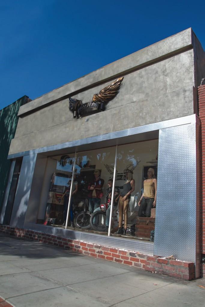 Robin's Jean Storefront